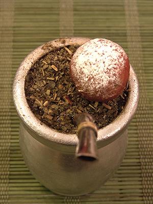 mini pączek na zaparzonej yerbie