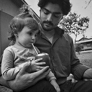 Tata daje córce mate, Urugwaj