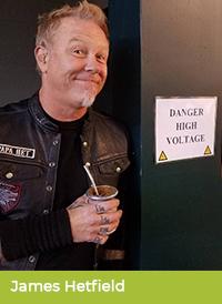 James Hetfield pije yerbę